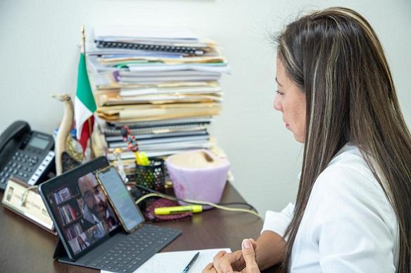 Alejandra Flores Espinoza, planteó la necesidad de impulsar una reforma constitucional en materia de desarrollo metropolitano con la finalidad de garantizar nuevos mecanismos a la población para que puedan acceder a los bienes y servicios necesarios de una forma más sencilla