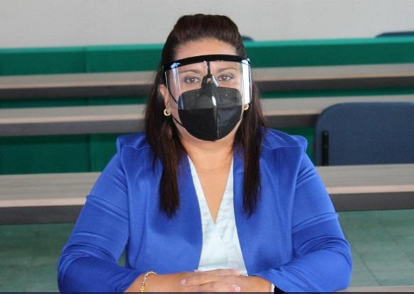 Al respecto, la encargada de despacho de la Auditoría General de la ESAF, Licenciada América López Rodríguez explicó que la Entidad continúa con sus labores en oficinas con el 25% del personal, mientras que el resto lo hace a distancia, incluido el personal con alguna