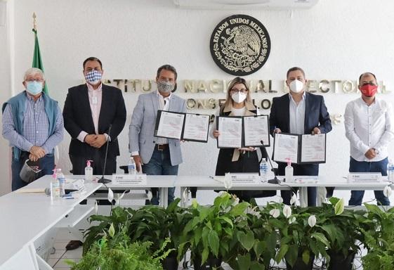 el alcalde de Cuernavaca, Antonio Villalobos Adán, señaló que el gobierno capitalino colaborará con todos sus recursos disponibles para contribuir a la seguridad y transparencia durante la jornada electoral del 6 de junio.