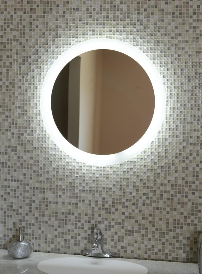 Miroir De Salle De Bain Lumineux La Nouvelle Tendance Avant Gardening