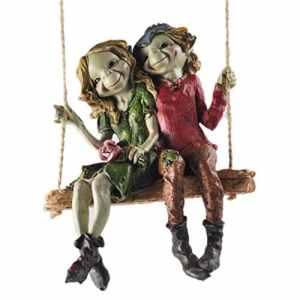 Pixie Couple à Suspendre balançoire, Sculpture Décor de Jardin de Haute qualité Magical Mystery Figurines Elf Fée et Enfants, Hauteur 12cm