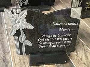Plaque funéraire en granit- article funéraire