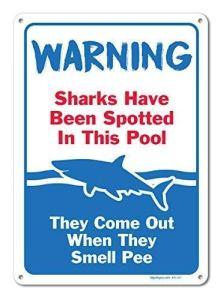 AdriK Panneaux décoratifs muraux décoratifs de Piscine avec Inscription « Sharks Have Been Spotted in This Pool Rules » en métal Plaque en Aluminium Humoristique