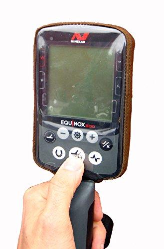 DetectorCovers Couvercle DE BOÎTIER DE Commande DE DÉTECTEUR DE MÉTAUX MINELAB Equinox (Couvercle ARRIÈRE pour ÉCOUTEURS sans Fil), en Tissu 600 PVC COYOTTE (Tan)