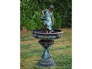 Thermobrass Fontaine décorative en bronze avec inscription en allemand « Frau die einen Krug ten » – 95 x 165 x 95 cm