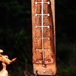 Axtschlag Planche à saumon en bois de bouleau extra solide 4 positions réglables en acier inoxydable pour brasero, tonneau, brasero