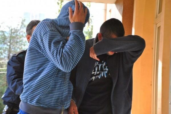 Doi tâlhari au ajuns în arest după ce au jefuit o bătrână