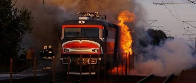 locomotiva-in-flacari-620x264