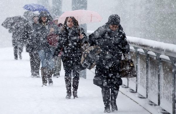 PROGNOZA METEO pe două săptămâni: Lapoviţă şi ninsori slabe până la Crăciun