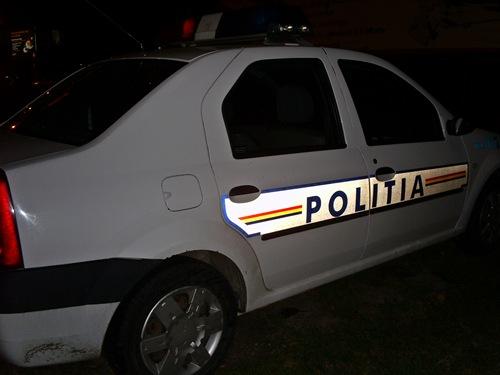 Șoferi asediați cu pietre. Polițiștii din Petroșani au intervenit de urgență!