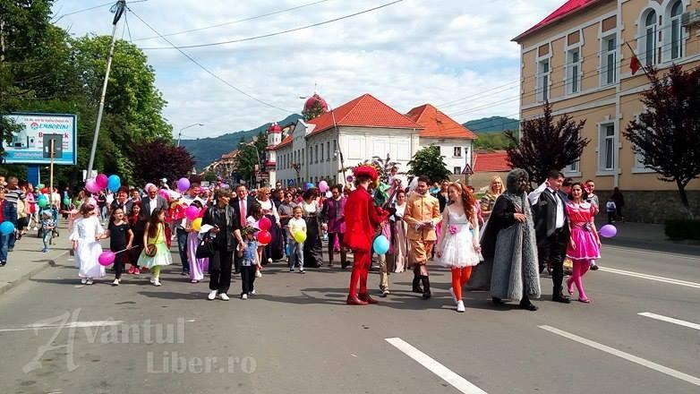 Parada costumelor de carnaval