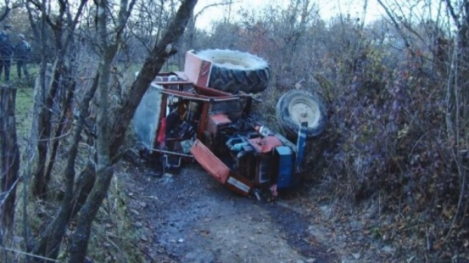tractor-rasturnat-2