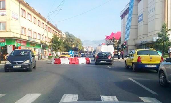Sensul giratoriu a dispărut, au apărut semafoarele