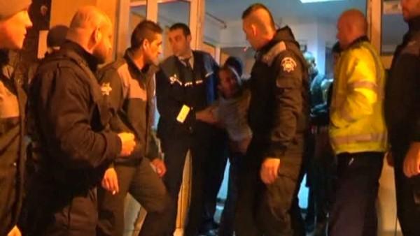 Scandal  în fața sediului Poliției Municipiului Petroșani