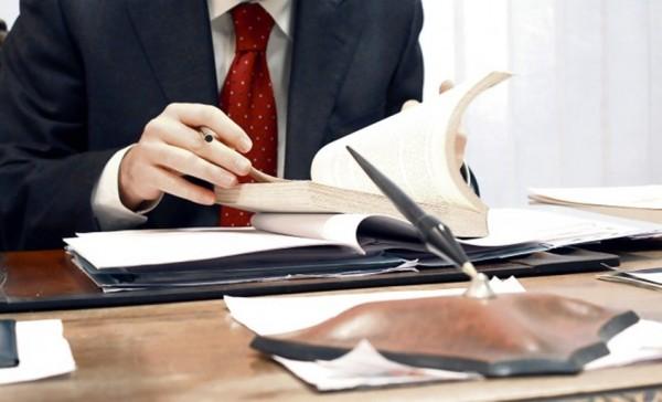 SENAT: Angajatorii, obligați să emită nota de lichidare a salariatului cu 3 zile înaintea încetării contractului. În caz contrar, riscă amenzi de până la 3.000 de lei