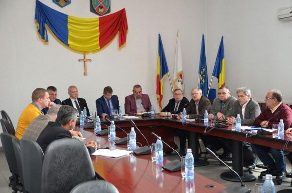 Mai rămâne termoficarea în sistem centralizat o soluție de încălzire pentru Petroșani și Valea Jiului ?
