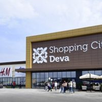 """""""Banca de produse pentru părinți și copii"""" la Shopping City Deva"""
