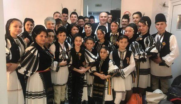 """""""Junii Petrileni"""" merg mai departe în """"Duelul ansamblurilor"""" de la Măruță"""