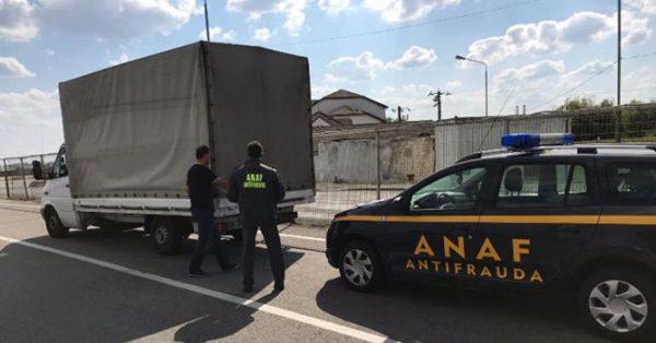 Articolele vestimentare confiscate de inspectorii Antifraudă