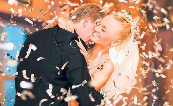 """ANAF a început """"operațiunea nunta"""": Ce lovitură pot primi tinerii căsătoriți și toate firmele care le-au făcut servicii, inclusiv fotograful"""