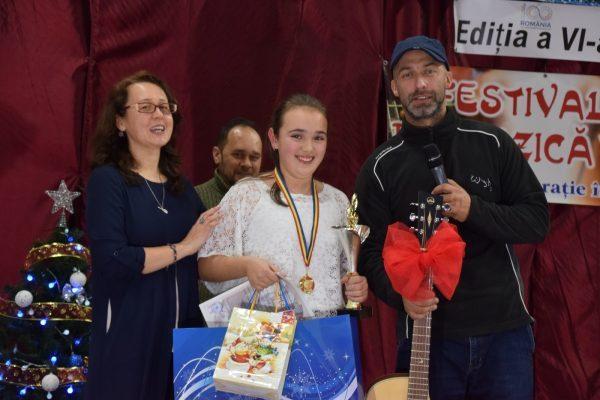 Festivalul unei noi generații-n blugi și-a desemnat cel mai bun folkist al anului 2018: Luminița Donisa