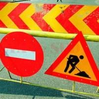Urmează două săptămâni cu restricții de circulație pe strada Decebal din Petroșani