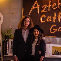 """Doi tineri artiști din Petroșani scriu la Aztek Caffe o frumoasă """"Poveste de dragoste"""" din pasiune pentru artă"""