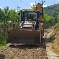 Lucrări de asfaltare pe strada 9 Mai din municipiul Lupeni