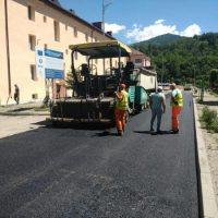 Investiții pe mai multe direcții de acțiune, în orașul Uricani