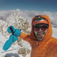 Adrian Ahrițculesei a cucerit vârful celui mai mare vulcan activ din lume