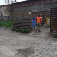 Containerele de deșeuri și punctele gospodărești de la Lupeni au fost igienizate