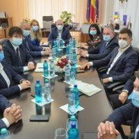 Investițiile Ministerului Tineretului și Sportului în județul Hunedoara, pe agenda vizitei ministrului Eduard Novak la Deva