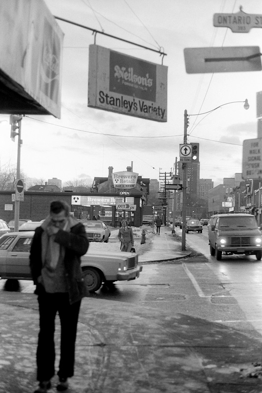 nostalgia, baby boomers, Toronto, 1981, film photography, black and white, Avard Woolaver
