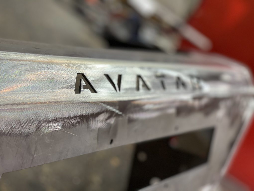 Avatar logo in aluminium