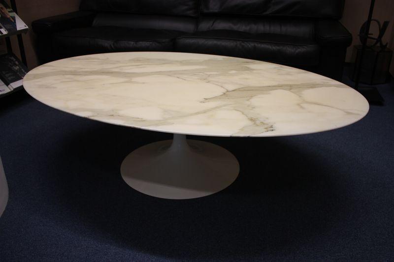 Table Basse A Plateau Ovale En Marbre Blanc Veine Gris