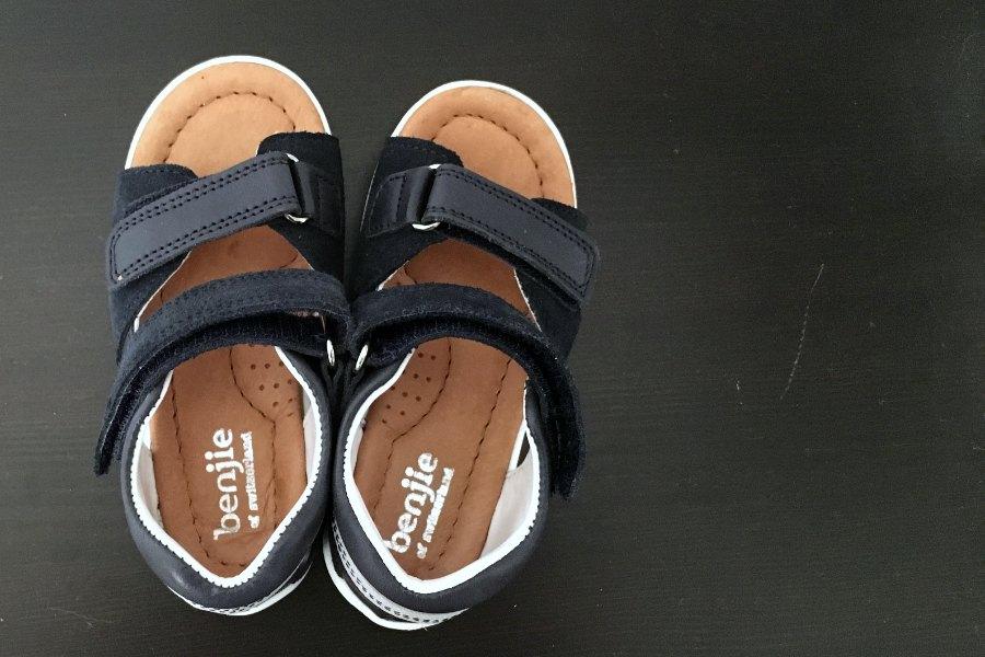 """Billet """"Bien dans ses sandales Benjie"""" paru sur www.avecpanache.ch"""