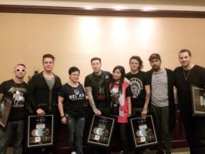 Warner Music Indonesia consegna dischi di platino 18-01-2015