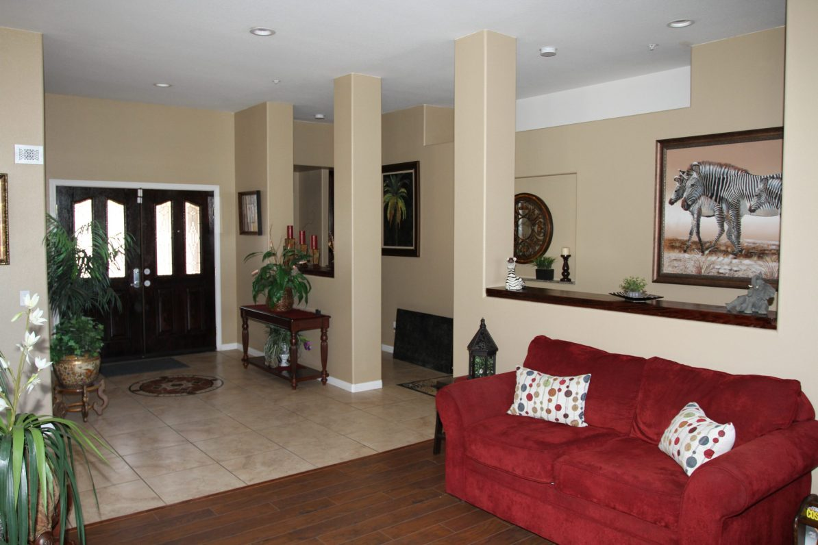 Entrance & Seating Area