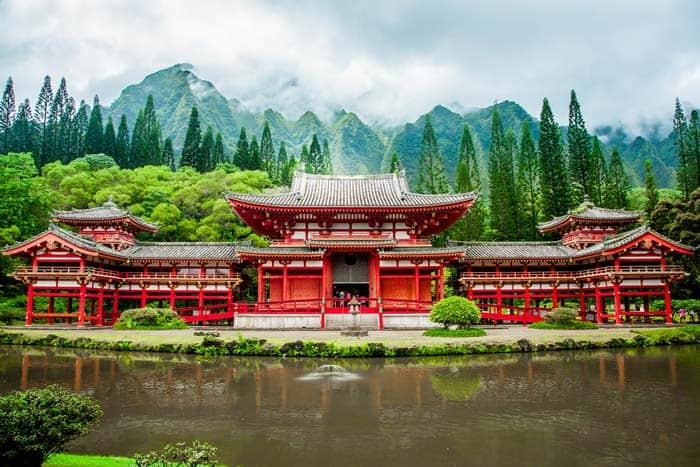 bigstock-Byodo-In-Temple-Oahu-113735318resize70040