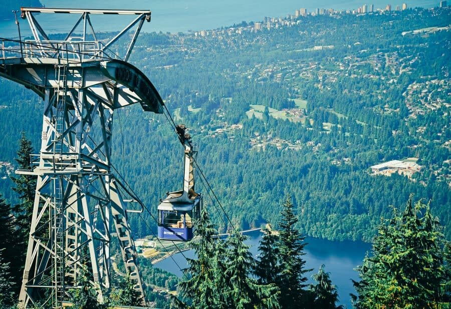 Gondola in Vancouver! Cool Things to Do in Vancouver, BC (Canada)