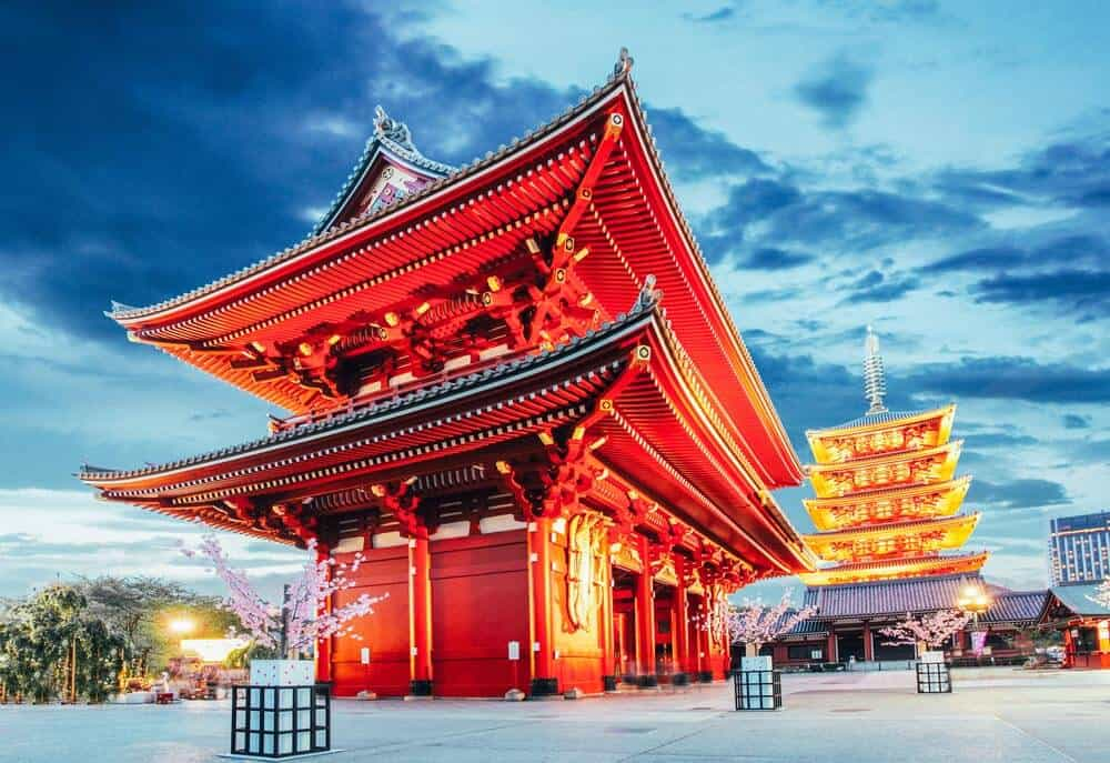 Planning a Trip to Japan For the First Time? Here is everything you need to know when traveling to Japan for the first time!