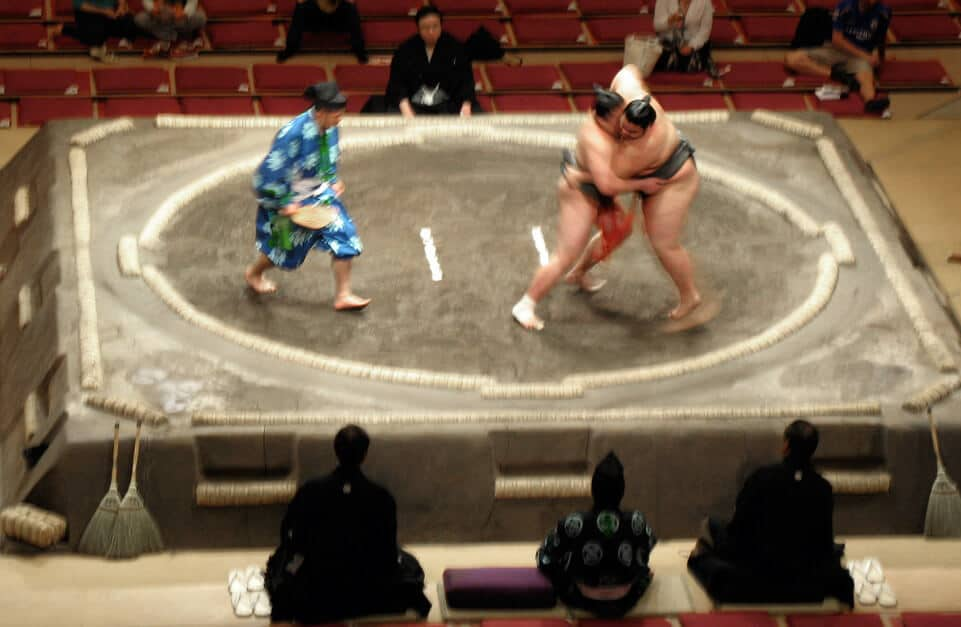 Sumo Wrestling in Japan! Planning a trip to Japan for the first time? Here are 10 Unique things you should know about Japan.