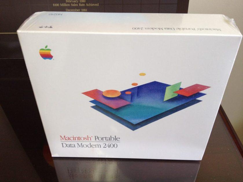 Le Data modem 2400 du Macintosh Portable