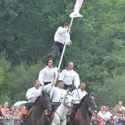 spectacle-equestre-pyramide-D70_7553
