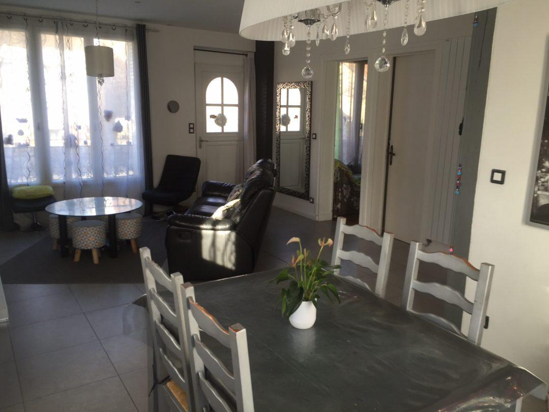 Un Salon Familiale Tout En Longueur Aventure Dco