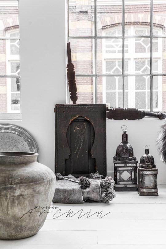 Ethnique : Quand la déco Scandinave rencontre le Maroc. Lanterne et plaid pompons du Marco
