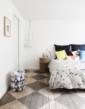 parquet-a-motifs-geometriques-chambre-aventuredeco