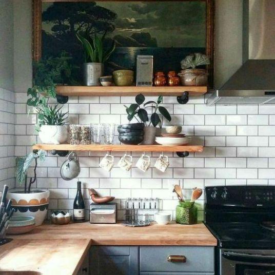 cuisine-ouverte-etagere-pot-ustensiles-jessica-venancio