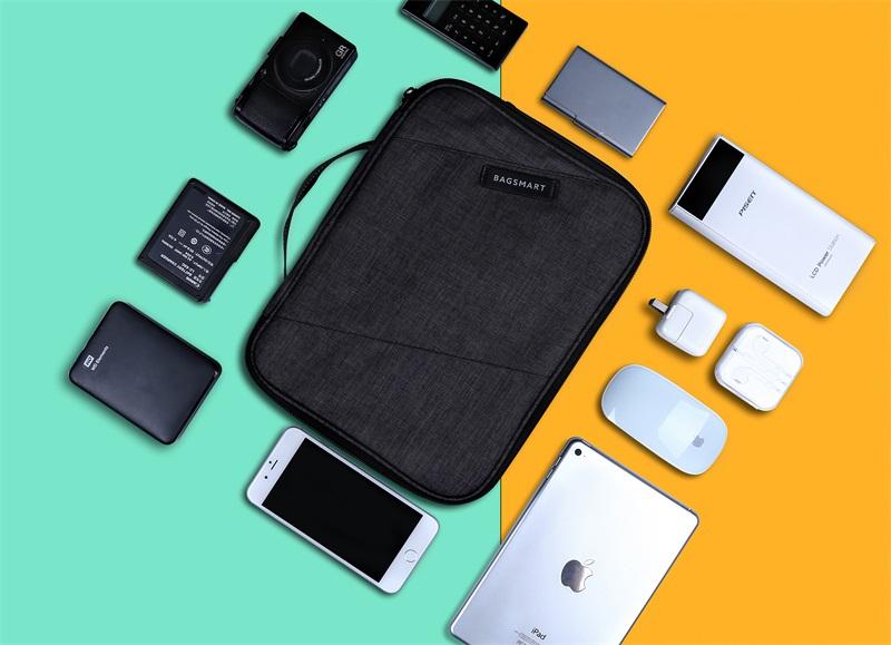 malette portable pour accessoires électroniques