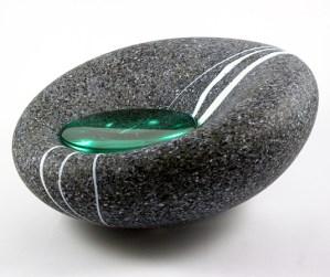 """Andrew Potter """"Rock pool I"""", glas, met groen hart, hoog 13 cm, Ø 30 cm, meer kleuren van het hart."""